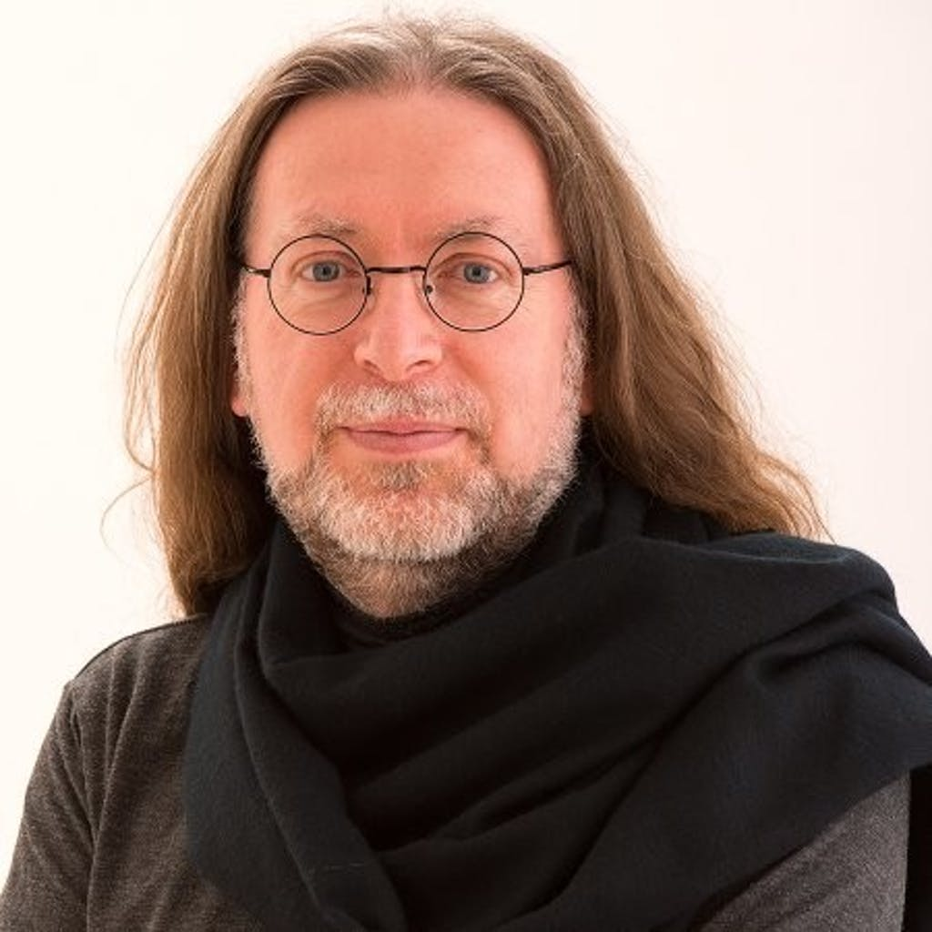 Donald Farmer, Principal at TreeHive Strategy and Director of Collaborative Research at Nobody Studios. He helps me unpack the intersection of people and AI, its positive uses, inherent bias, and more.